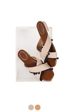 tiny pom pom sandals