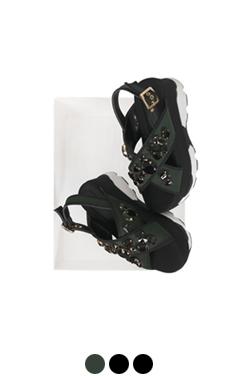 "(More) jeweled platform sandals <br> <font color=#82C7E4 size=""1.9"" face=verdana>COLOR ADD</font>"
