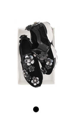 flower embellished slipon