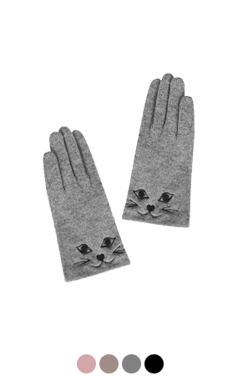 "kitty embroidery gloves <br> <font color=#82C7E4 size=""1.9"" face=verdana>RESTORE</font>"