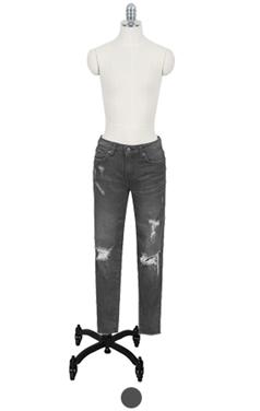 destroyed black skinny jean