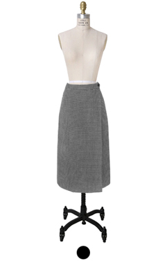 "houndtooth H-line skirt <br> <font color=#82C7E4 size=""1.9"" face=verdana>SIZE ADD</font>"