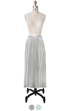 soft pleated maxi skirt