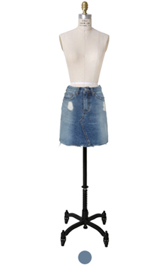 "two-tone denim mini skirt <br> <font color=#82C7E4 size=""1.9"" face=verdana>SIZE ADD</font>"